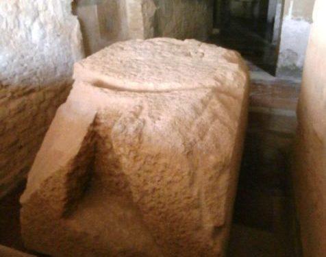 Pietrarossa, un sasso bucato e le zitelle trovavano marito
