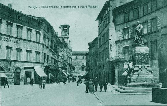 Pietro Vannucci monumento a Perugia