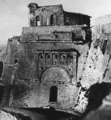 Perugia decide: giù la Rocca Paolina