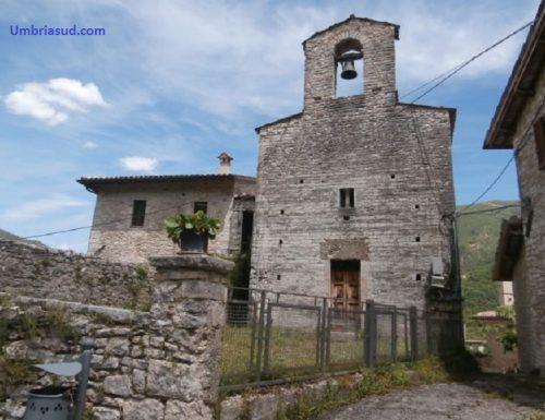 San Valentino, un grappolo di case e una chiesa romanica