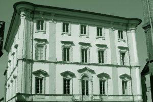 Città della Pieve: soffitto crolla su una famiglia a tavola