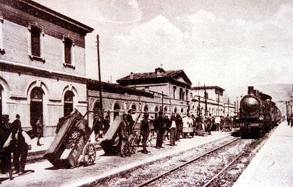 Treno Foligno deraglia a bastia
