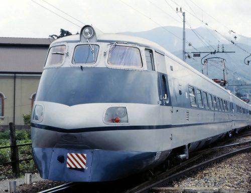 """1976, sulla Roma-Ancona entra il servizio il """"Pendolino"""""""